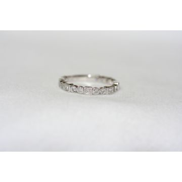 Lydia Alternating Bezels Diamond Band