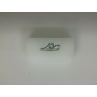 Nelson White 18 Karat Cureved Fashion Ring