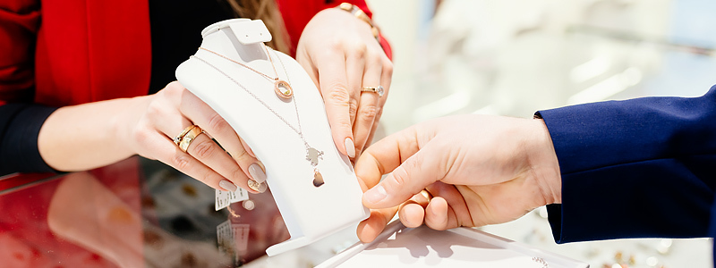 Why jewelry is the best gift?
